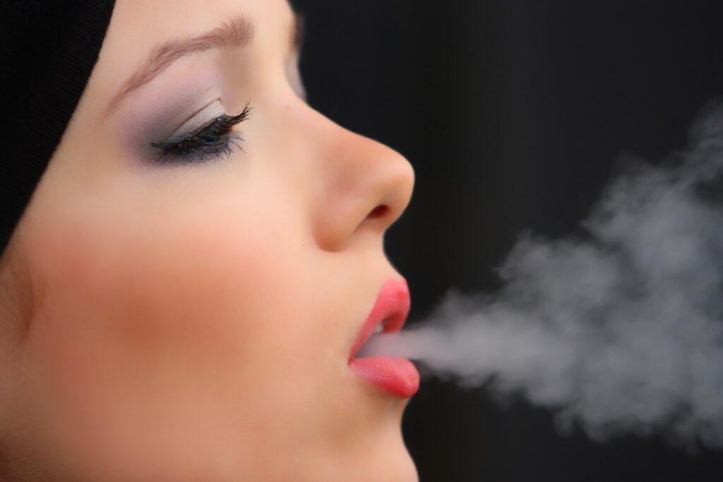 girl smoke cigarette, nicotine, woman-2198839.jpg