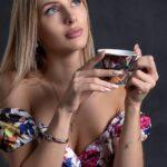 woman, coffee cup, thinking-6602943.jpg
